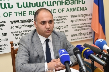 Executive director of Agricultural Development Foundation Gegham Gevorgyan gave a press conference at the RA Ministry of Agriculture - Photolure News Agency