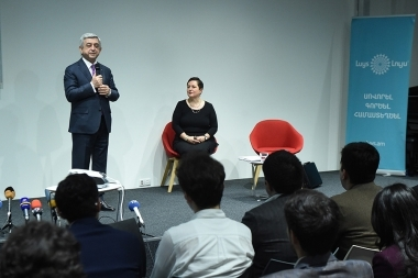 RA President Serzh Sargsyan met the council members of 'Luys' foundation at the AGBU - Photolure News Agency
